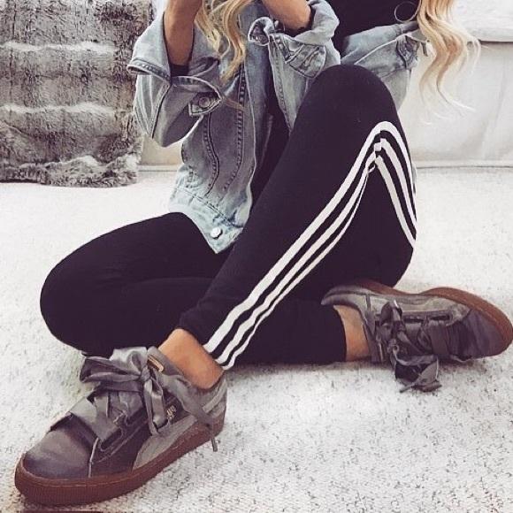 58491e9b096 Puma Basket Heart Velvet Ribbon Sneaker